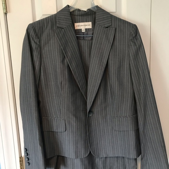 Jones New York Jackets & Blazers - Jones New York Suit Gray Pinstripe blazer & skirt